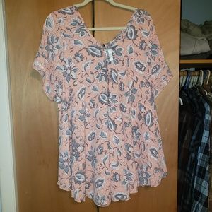 NWT Peach Floral V-Neck Top Size 3X